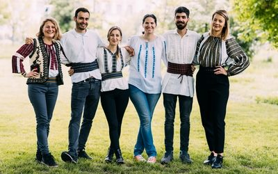 Ie – the Romanian traditional blouse